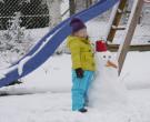 Januar 2015 mit ihrem Schneemann